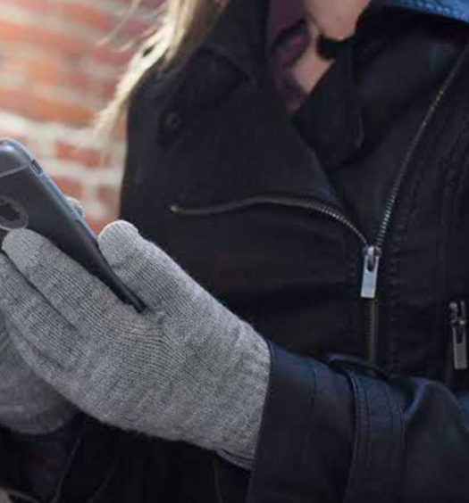 The Best Gloves that Work with your Technology - Moshi Digits Gloves